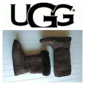 UGG Boots - Brown